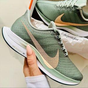 NWT Nike Zoom Pegasus 35 Turbo running shoes